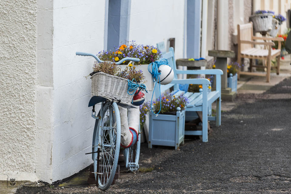 blue bicycle at Pittenweem